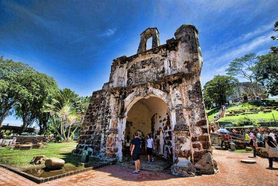 Tempat menarik di Melaka yang percuma (A' Famosa)